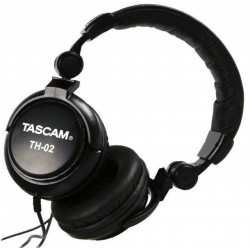 TASCAM TH-02 cuffie monitor chiuse