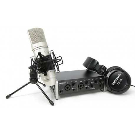 TASCAM Trackpack 2x2 bundle audio producer
